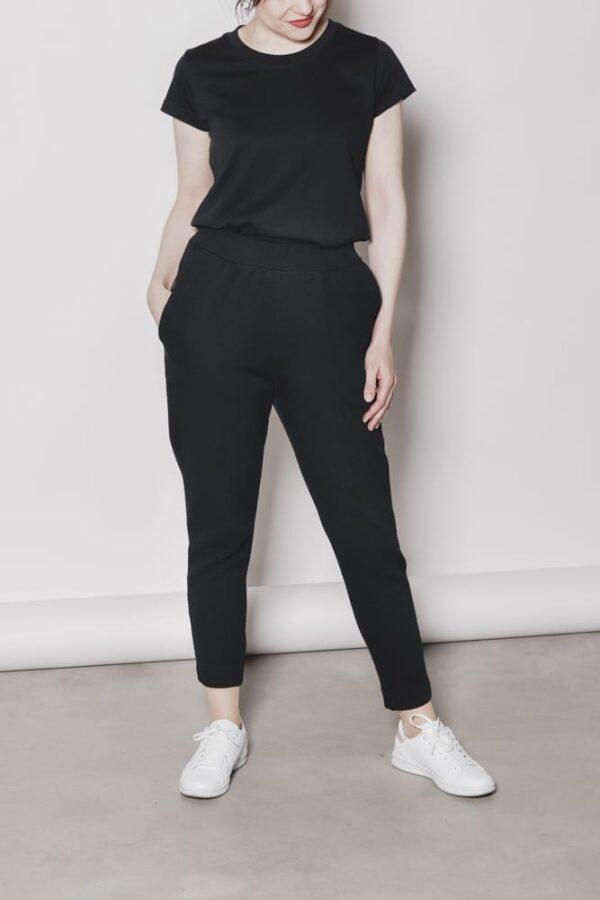 naisten korkevyötäröiset housut kuvioneulos