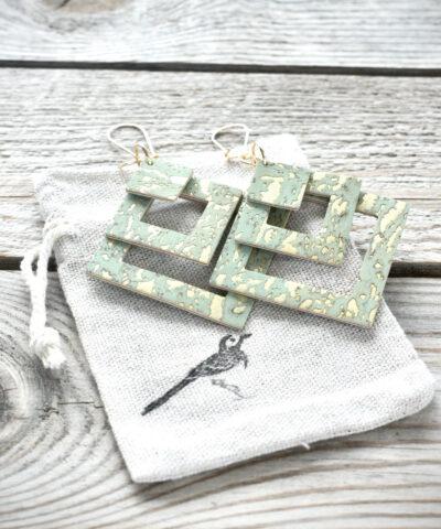 Suomessa valmistetut korvakorut