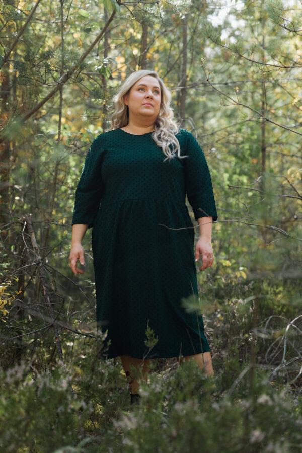 Ajaton laadukas suomalainen mekko